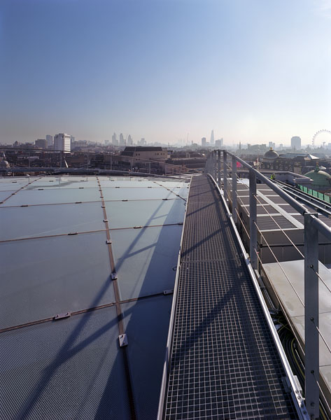 Access walkways on the roof.14/18