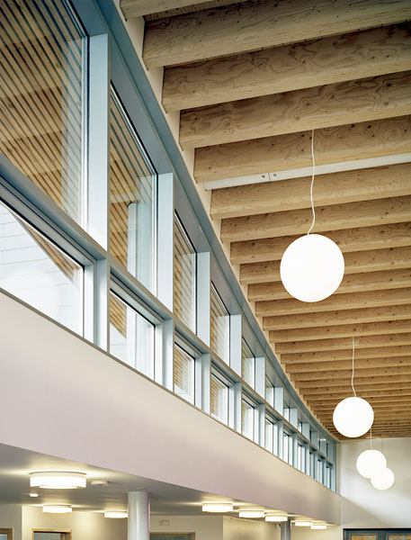 Reception space showing light fittings. 19/41