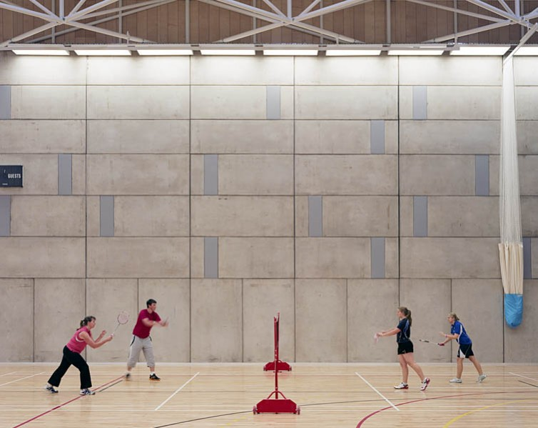 Inside the multi-use sports hall. 29/41