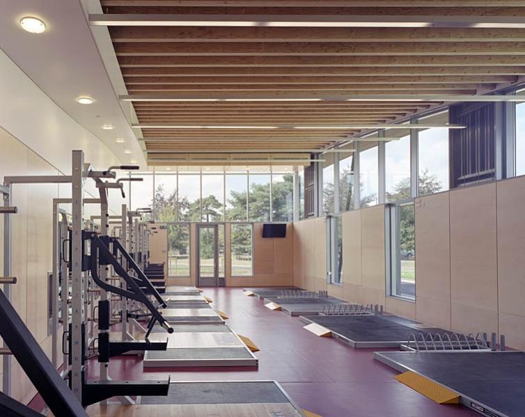 Strength training area. 33/41