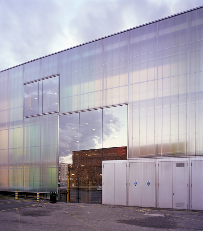 Herzog and de meuron laban dance centre greenwich for Martin craig bathroom design studio