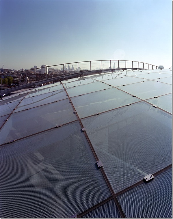 010-roof-showing-walkway