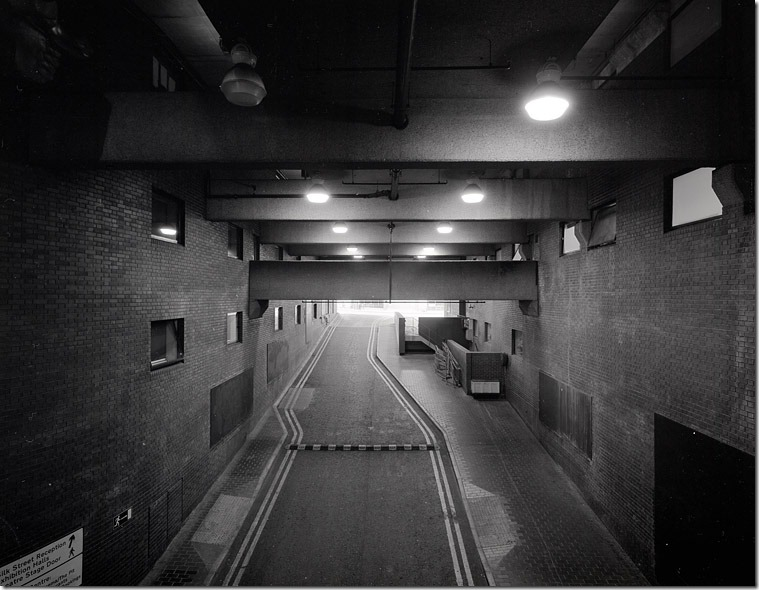 008-underground-service-access