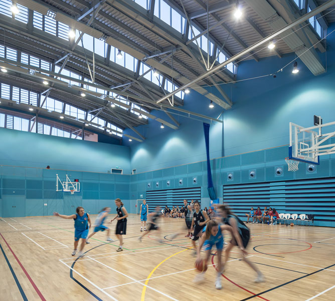 Cambridge Sports Facility by Arup Associates. 06 of 20