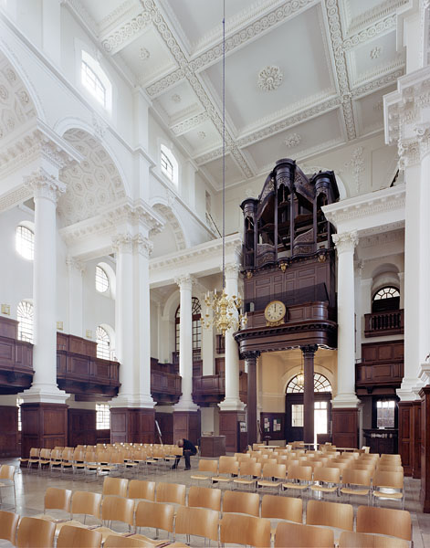 Christ ChurchSpitalfields, London, Nicholas Hawksmoor: interior view.3/16