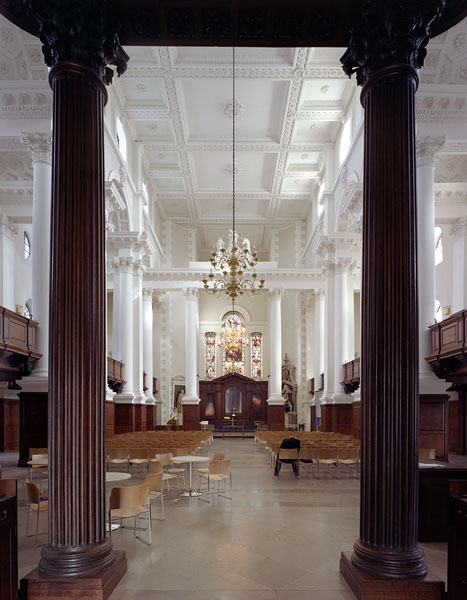 Christ ChurchSpitalfields, London, Nicholas Hawksmoor: interior view.4/16