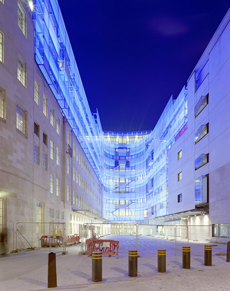 "New BBC Broadcasting House in Portland Place, London, by Sheppard Robson Architects: the new public space and the ""Cyclorama"".15/16"