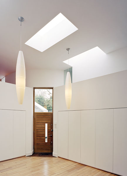 Private residence in Kingston-upon-Thames by Coup De Ville Architects: the entrance lobby.42/65