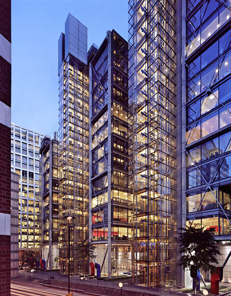 88 Wood Street, London, by the Richard Rogers Partnership: dusk view.44/48