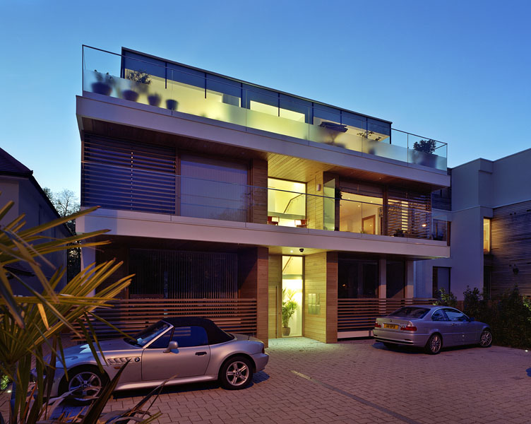 Private residence in Waldegrave Rd, Twickenham by Coup De Ville Architects: front elevation and forecourt.49/65