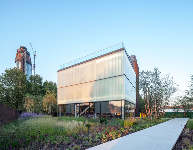 Exterior Architectural Photography of Glass façade. 3 of 12
