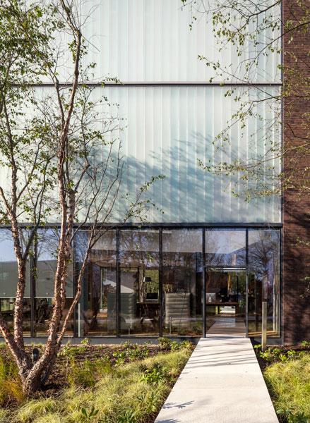 Embassy Gardens Marketing Suite in Nine Elms London by Arup Associates. 2 of 12