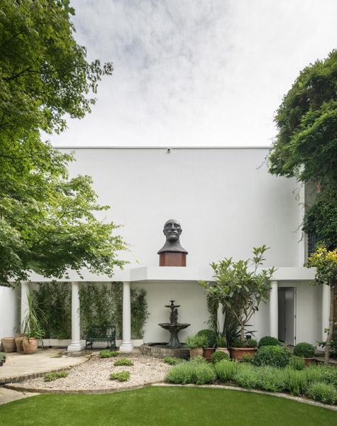Exterior photograph landscaped garden, 02 of 18