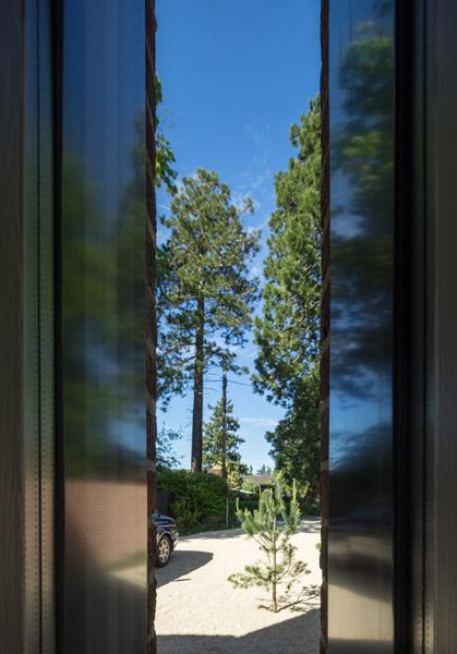 View through slot windows, 05 of 10