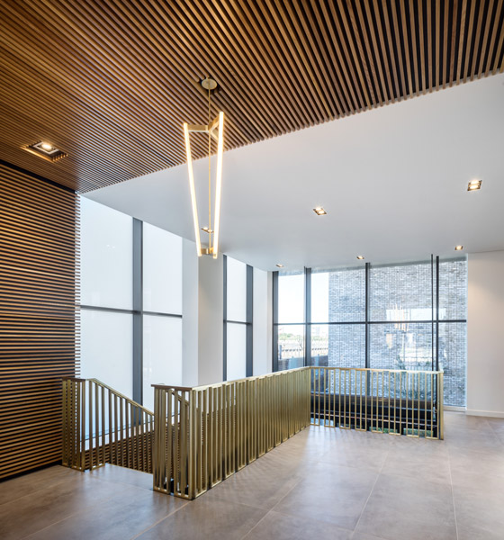 Interior staircase, 13 of 15