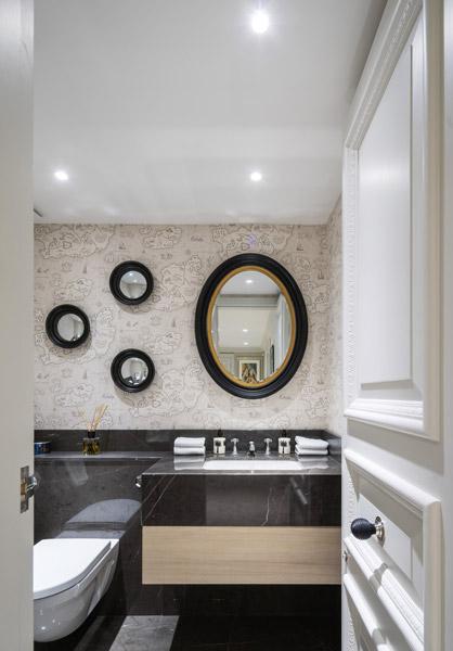 Bathroom interior, 17 of 18