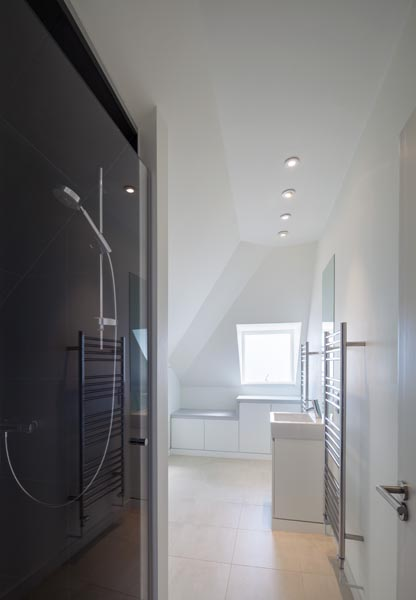 Bathroom interior photograph, 19 of 20
