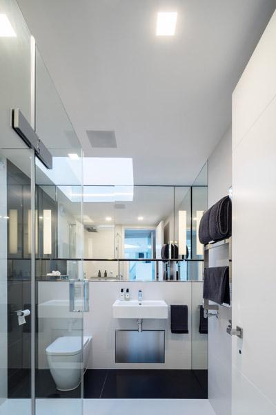 Bathroom elevational view, 12 of 19