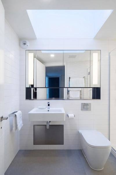 Bathroom interior photograph, London, 13 of 19