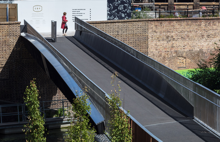 The design features stainless steel cladding and balustrade, 02 of 16.