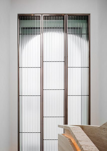 Glass fins and frosted glazing bringing light into the stair, 03 of 20.