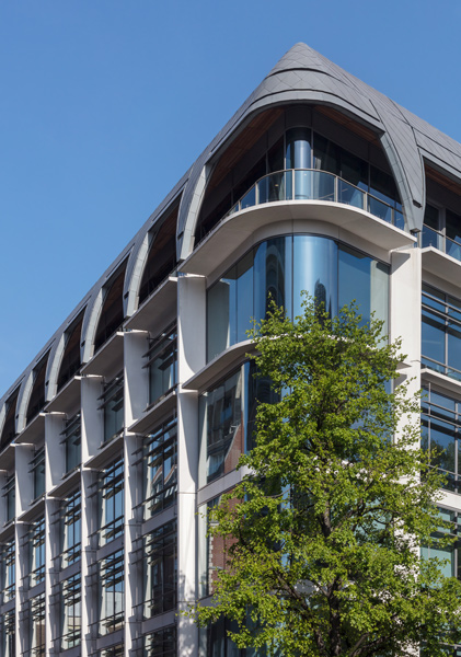 Corner view showing curved glazing, balustrade and roofscape, 04 of 12.