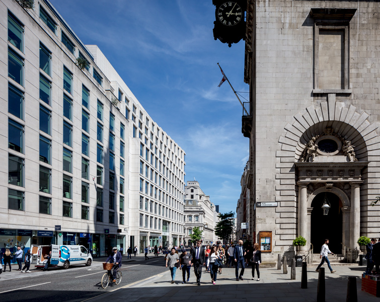Photograph of 100 Cheapside, London, showing the context including the church of St Mary-Le-Bow, 04 of 08.