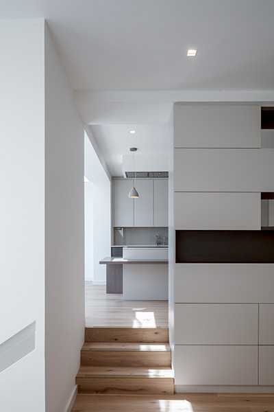 Interior photograph showing custom joinery and kitchen design, 05 of 07.