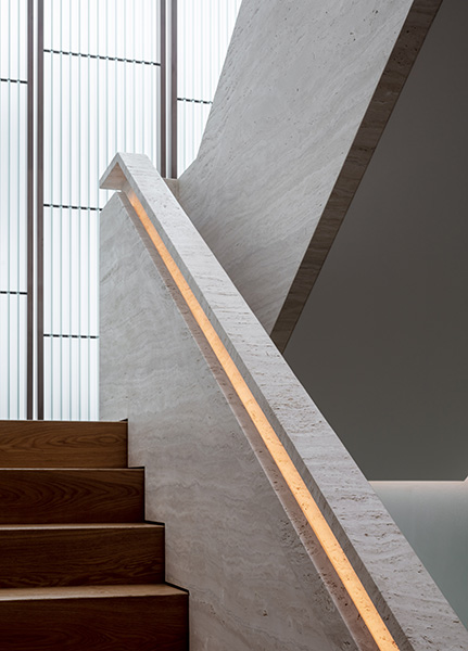 Interior photograph showing the minimalist architecture of the stair, 06 of 20.
