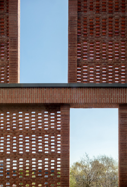 Exterior photograph of the brick screen, 07 of 17.