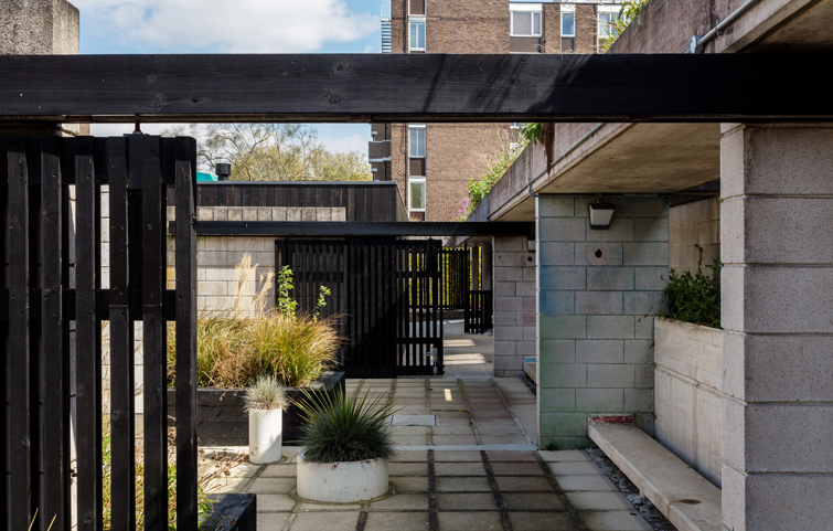 Photo of the restored London Modernist architecture, 08 of 10
