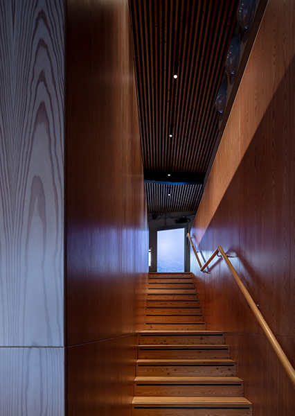 Staircase in timber with minimalist detailing, 08 of 11.