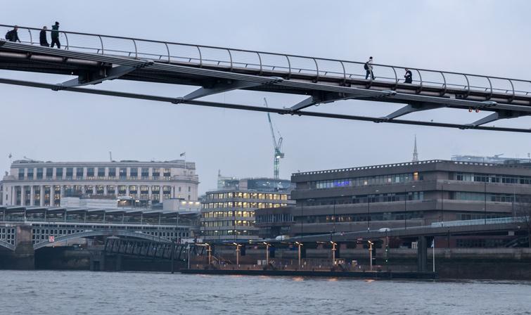 Bridge at Blackfriars pier, London view, 08 of 11.