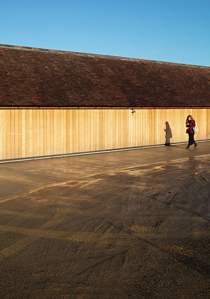 Timber cladding creates a warming feel, 09 of 16.