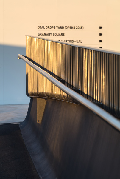 Photo showing the balustrade, 11 of 16.