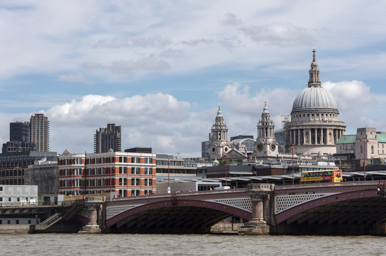Bridge House and its context, including St Paul's Cathedral, 12 of 13.
