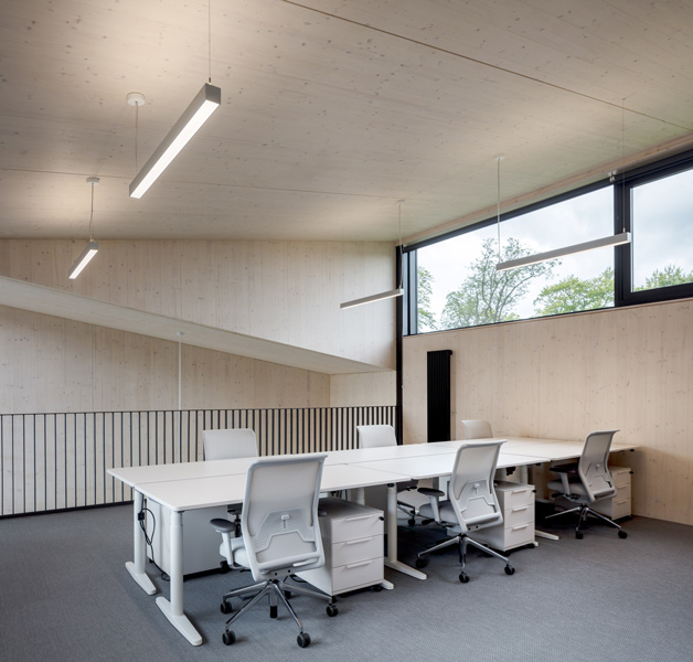 Photograph of the upper level office, 12 of 16.