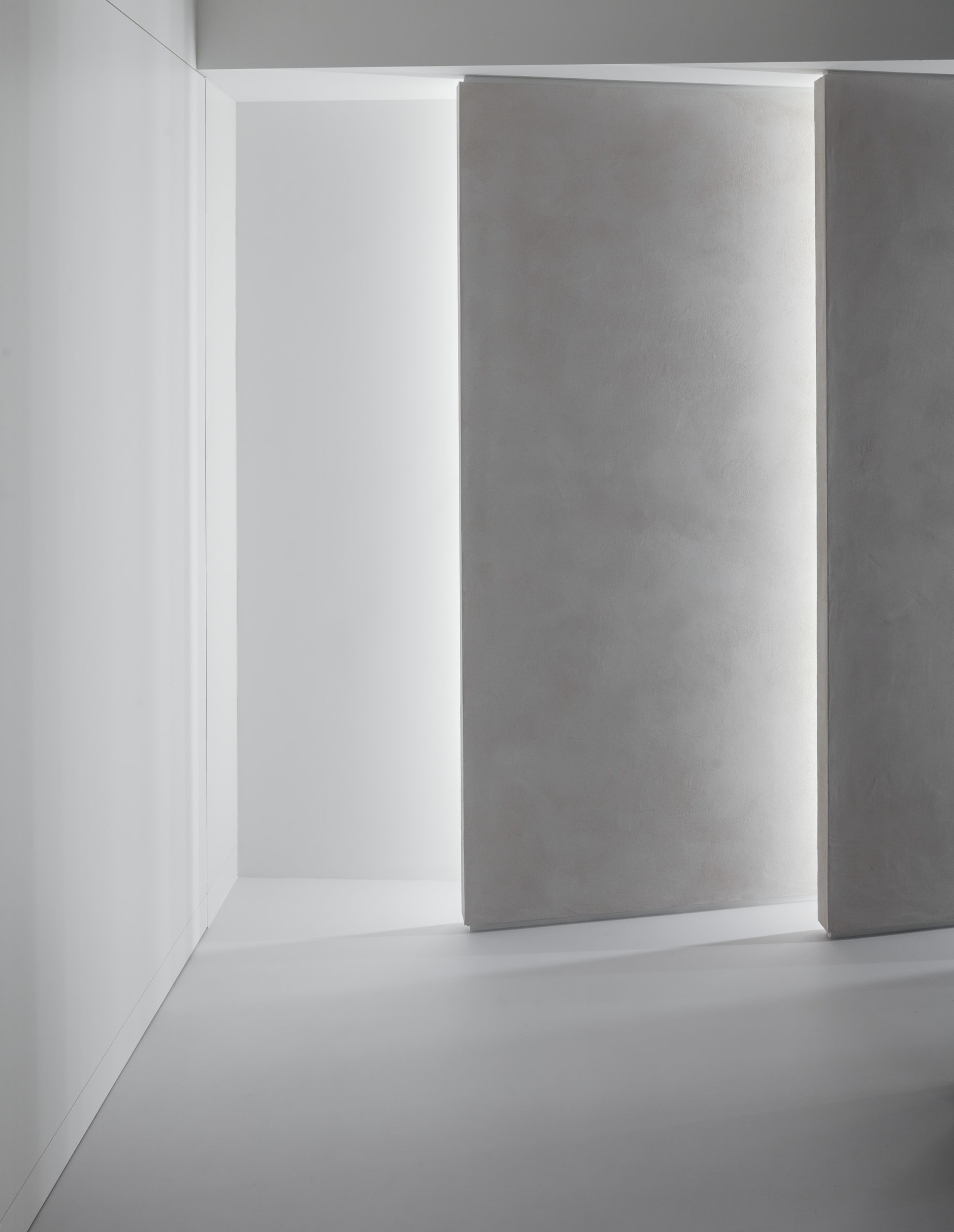 Gallery features beautifu staggered panels with integrated lighting.