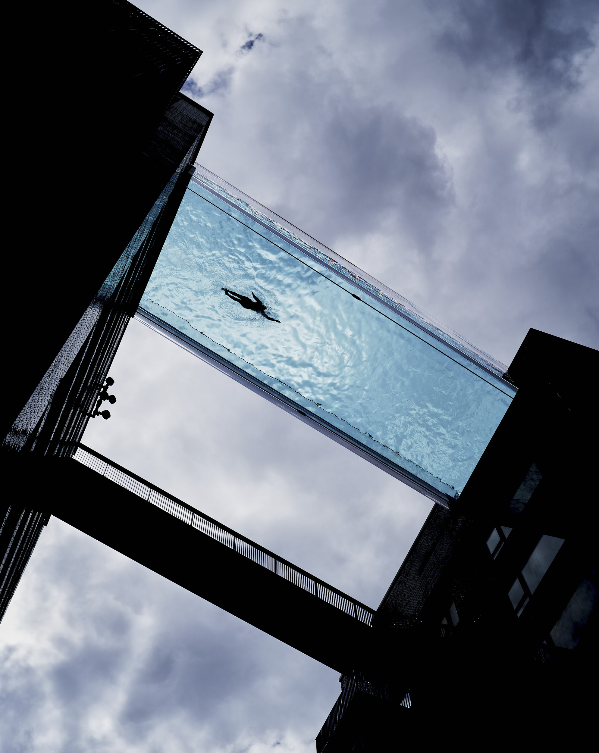 The design was conceived as a swimmable bridge that provides fantastic views across London.
