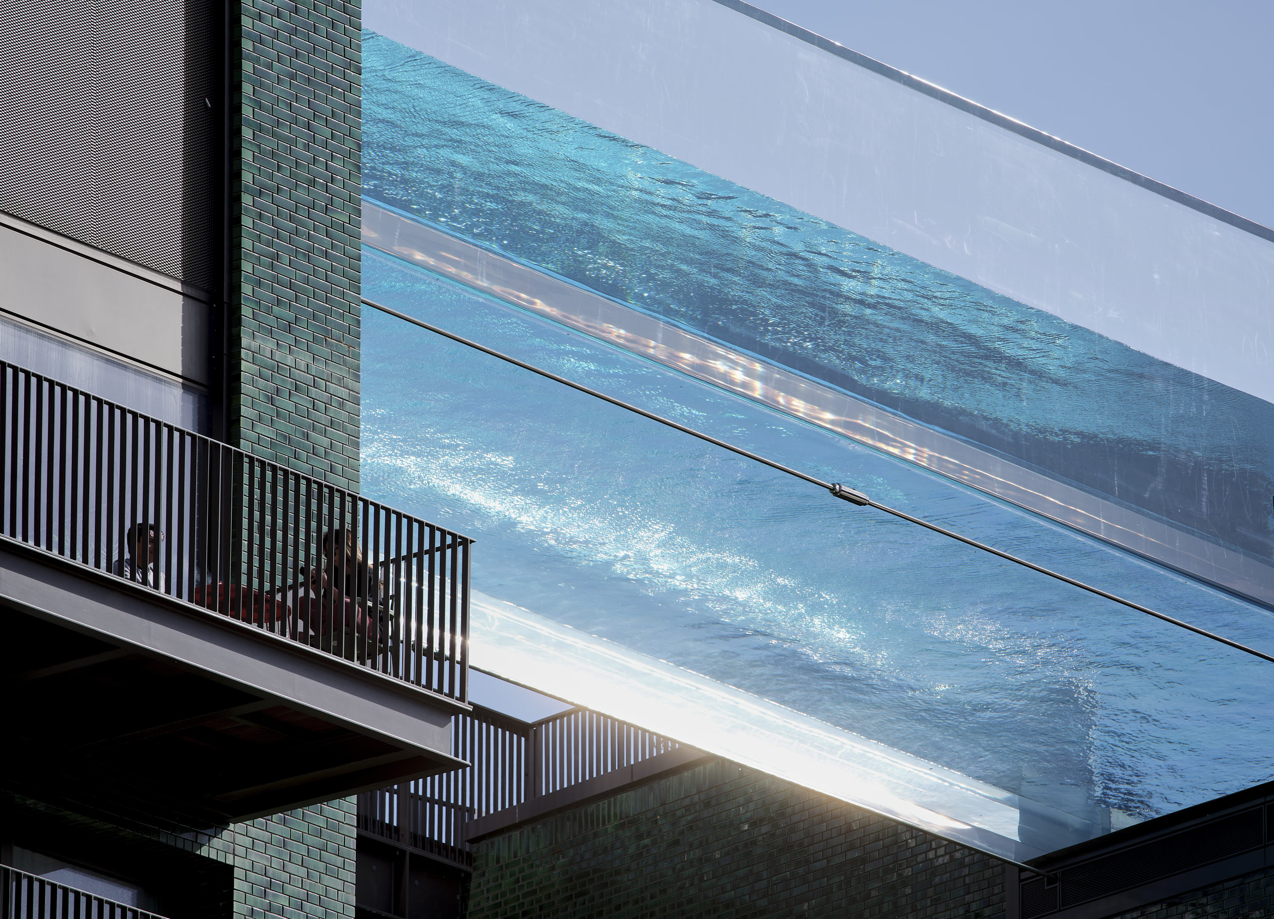 Skypool photograph showing the immediate residential architectural context.