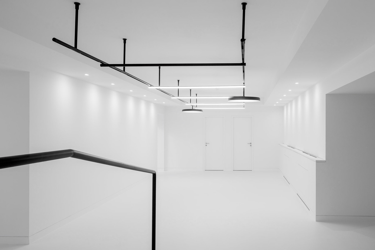 Portfolio: architectural photography of a new office at Uxbridge St, London.